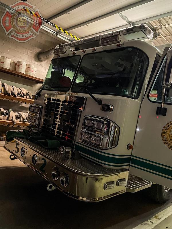 Engine 52-2(Lt C. Simpkins) relocating Longwood Fire Co. as they operate at a Working Fire