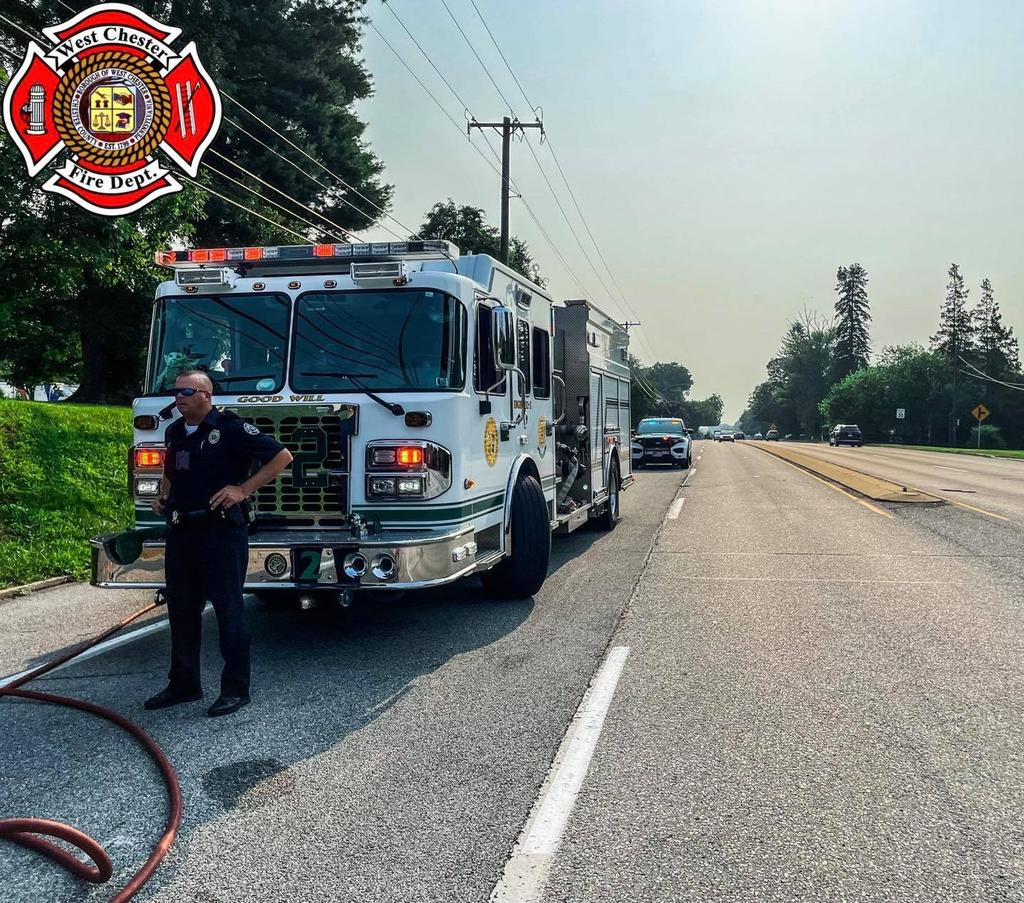 Engine 52-2 Clearing debris on West Chester Pike